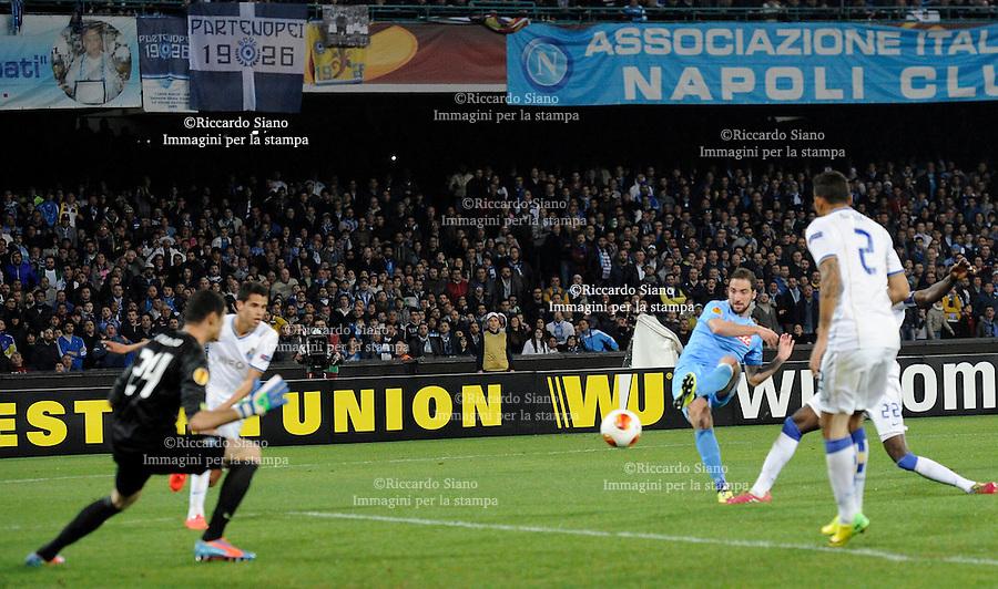 - NAPOLI 20 MAR - Calcio Europa League Stadio San Paolo.    Napoli - Porto ritorno   ottavi di filale di Europa League. Nella foto Higuain