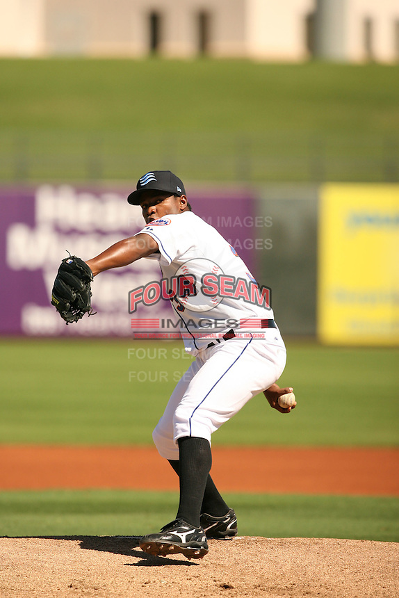 Jenry Mejia of the Surprise Rafters in Arizona Fall League action during the 2009 season, in Phoenix, AZ. (Photo by David Stoner/ Four Seam Images)