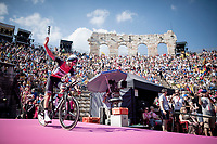 Bauke Mollema (NED/Trek-Segafredo) entering the Verona amphitheater after finishing the closing iTT<br /> <br /> Stage 21 (ITT): Verona to Verona (17km)<br /> 102nd Giro d'Italia 2019<br /> <br /> ©kramon