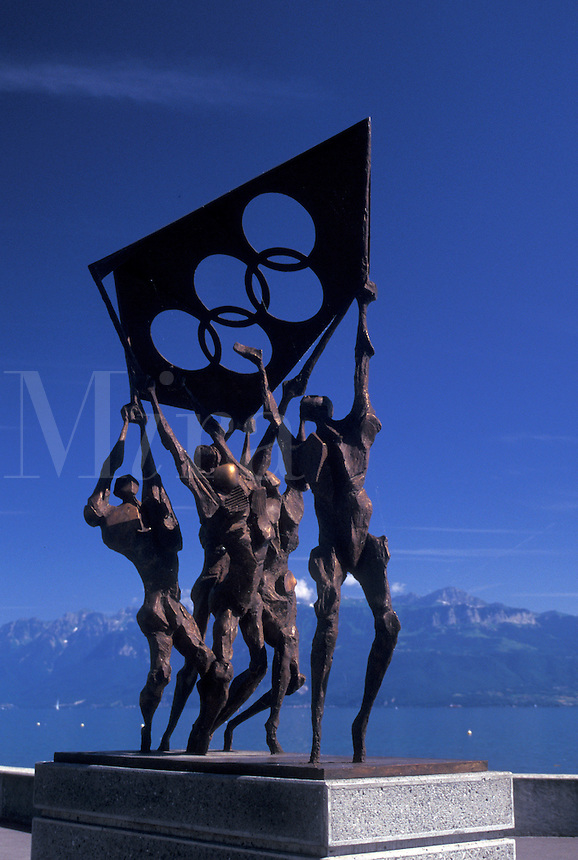 olympics, Lausanne, Switzerland, Ouchy, Vaud, Lac Leman, Statue at Le Parc Olympique along Lake Geneva in Lausanne near the Olympic museum.