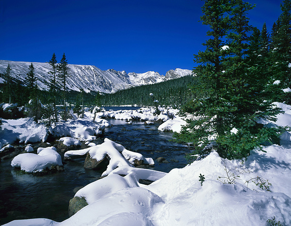 Long Lake and fresh snow, Indian Peaks Wilderness, Boulder, Colorado, USA.