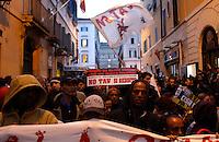 Scontri tra forze dell'ordine e manifestanti No Tav durante una protesta nei pressi dell'Ambasciata di Francia in occasione del vertice intergovernativo italo-francese a Roma, 20 novembre 2013.<br /> Anti-high speed train (No Tav) demonstrators attend a protest near French Embassy on the occasion of the intergovernmental summit between Italy and France held at Rome's Villa Madama, 20 November 2013.<br /> UPDATE IMAGES PRESS/Riccardo De Luca