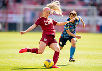 HARRISON, NJ - MARCH 08: Chloe Kelly #22 of England passes the ball during a game between England and Japan at Red Bull Arena on March 08, 2020 in Harrison, New Jersey.