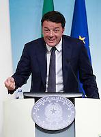 Il Presidente del Consiglio Matteo Renzi tiene una conferenza stampa al termine del consiglio dei Ministri a Palazzo Chigi, Roma, 29 agosto 2014.<br /> Italian Premier Matteo Renzi attends a press conference at the end of a cabinet meeting, at Chigi Palace, Rome, 29 August 2014. <br /> UPDATE IMAGES PRESS/Isabella Bonotto