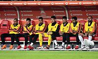 BOGOTA - COLOMBIA – 28 - 02 - 2018: Los jugadores de Corinthians (BRA), observan el partido desde la banca, durante partido entre Millonarios (COL) y Corinthians (BRA), de la fase de grupos, grupo 7, fecha 1 de la Copa Conmebol Libertadores 2018, en el estadio Nemesio Camacho El Campin, de la ciudad de Bogota. / The players of Corinthians (BRA), watch the game from the bench, during a match between Millonarios (COL) and Corinthians (BRA), of the group stage, group 7, 1st date for the Conmebol Copa Libertadores 2018 in the Nemesio Camacho El Campin stadium in Bogota city. VizzorImage / Luis Ramirez / Staff.