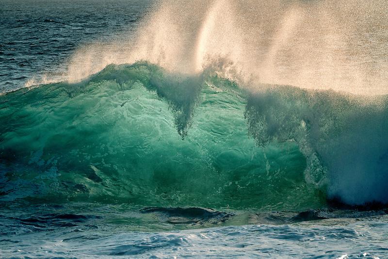 Large ocean waves. Hawaii Island.