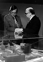 Le Maire Jean Drapeau et la maquette de l'UQAM, le 12 janvier 1973<br /> <br /> PHOTO :  Alain Renaud<br />  - Agence Quebec Presse