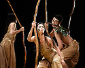 Cloud Gate Dance Theatre of Taiwan, Song of the Wanderers, Sadler's Wells