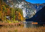 Oesterreich, Steyrisches Salzkammergut, Herbststimmung am Toplitzsee | Austria, Styrian Salzkammergut, Goessl at Grundl Lake: autumn scenery at Lake Toplitz