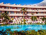 Spanien, Kanarische Inseln, Teneriffa, Playa de las Americas: Hotel-Pool | Spain, Canary Islands, Tenerife, Playa de las Americas: Hotel-Pool