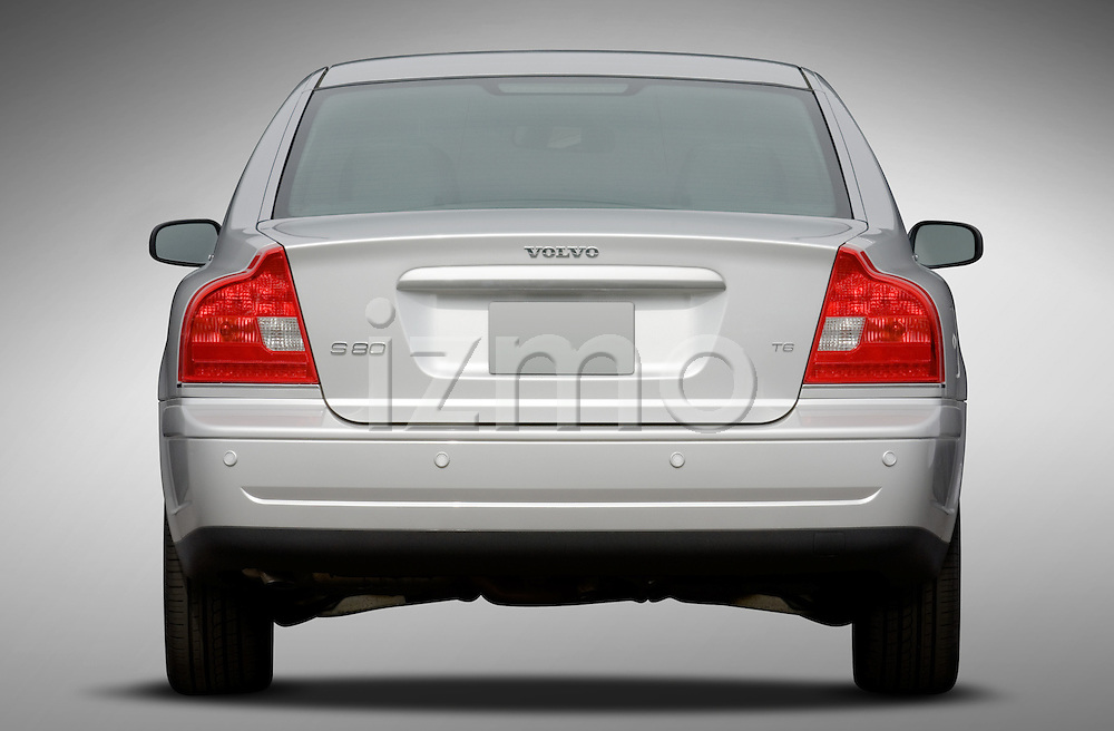 Straight rear view of a 2006 Volvo S80 Sedan