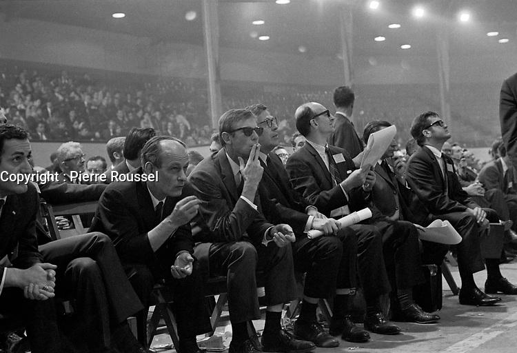 Fondation du Parti quebecois, en presence de Rene Levesque et Gilles Gregoire,  le 14 octobre 1968 au Petit Colisee de Quebec<br /> <br /> Photographe : Photo Moderne<br /> - agence Quebec Presse