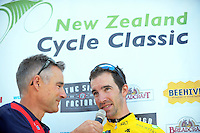 Tour announcer Del Woodford talks to tour leader Joe Cooper after stage four of the NZ Cycle Classic UCI Oceania Tour in Wairarapa, New Zealand on Wednesday, 25 January 2017. Photo: Dave Lintott / lintottphoto.co.nz