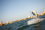 Deportes Nauticos. KiteSurf.
