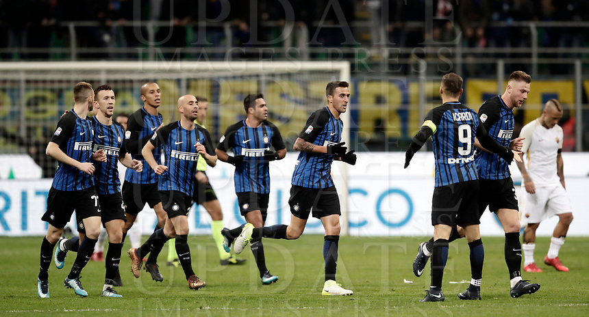 Calcio, Serie A: Inter - Roma, Milano, stadio Giuseppe Meazza (San Siro), 21 gennaio 2018.<br /> Inter's Matias Vecino celebrates after scoring with his teammates during the Italian Serie A football match between Inter Milan and AS Roma at Giuseppe Meazza (San Siro) stadium, January 21, 2018.<br /> UPDATE IMAGES PRESS/Isabella Bonotto