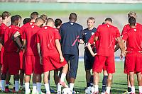 Kingston, Jamaica - Thursday, September 6, 2012: USA in Kingston for the WCQ against Jamaica. Jurgen Klinsmann talks with his players.