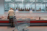 - supermarket, the meat counter....- supermercato, banco delle carni