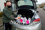 Tom Dillon a volunteer with St Vincent de Paul Meal on Wheels making a delivery to Tobar Naofe, Tralee on Saturday.