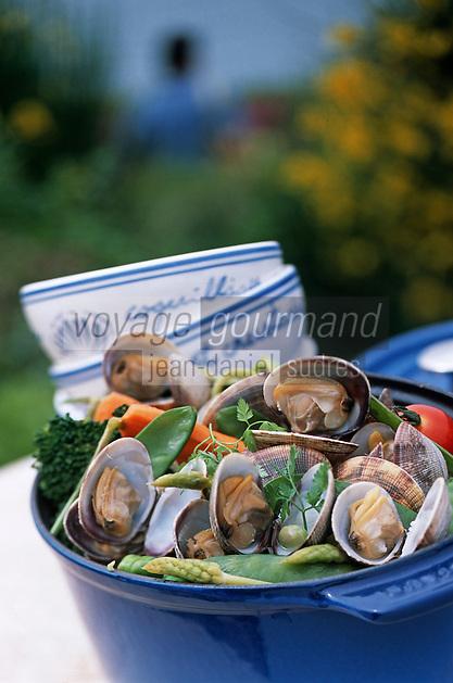 Europe/France/Bretagne/35/Ille-et-Vilaine/Saint- Malo/Rotheneuf: Cocotte de praires et légumes d'ici