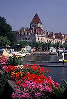 Switzerland, Lausanne, Ouchy, Vaud, Lac Leman, Lakefront park along Lake Geneva.