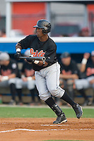 Arthur Bonevacia (25) of the Bluefield Orioles attempts to lay down a bunt at Burlington Athletic Park in Burlington, NC, Saturday, July 26, 2008. (Photo by Brian Westerholt / Four Seam Images)