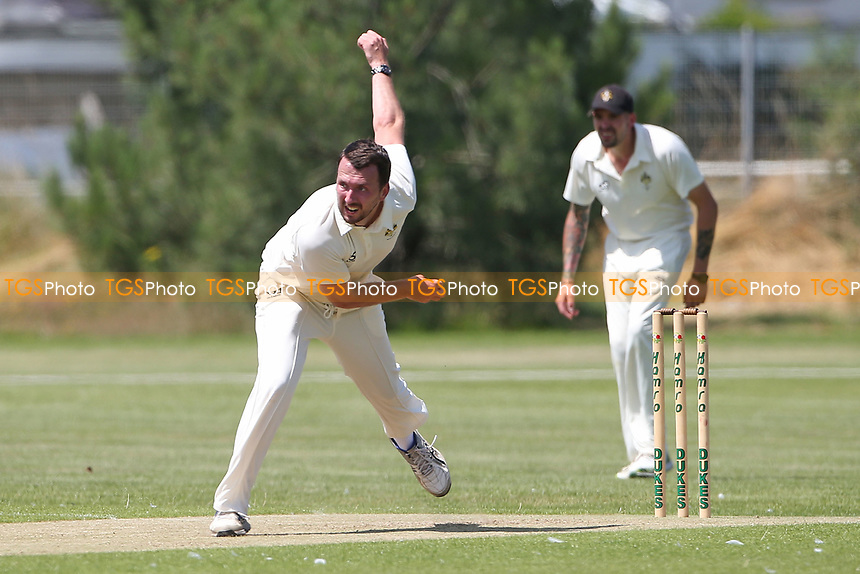 Will Chuter in bowling action for Gidea Park during Oakfield Parkonians CC vs Gidea Park and Romford CC, Hamro Foundation Essex League Cricket at Oakfield Playing Fields on 17th July 2021