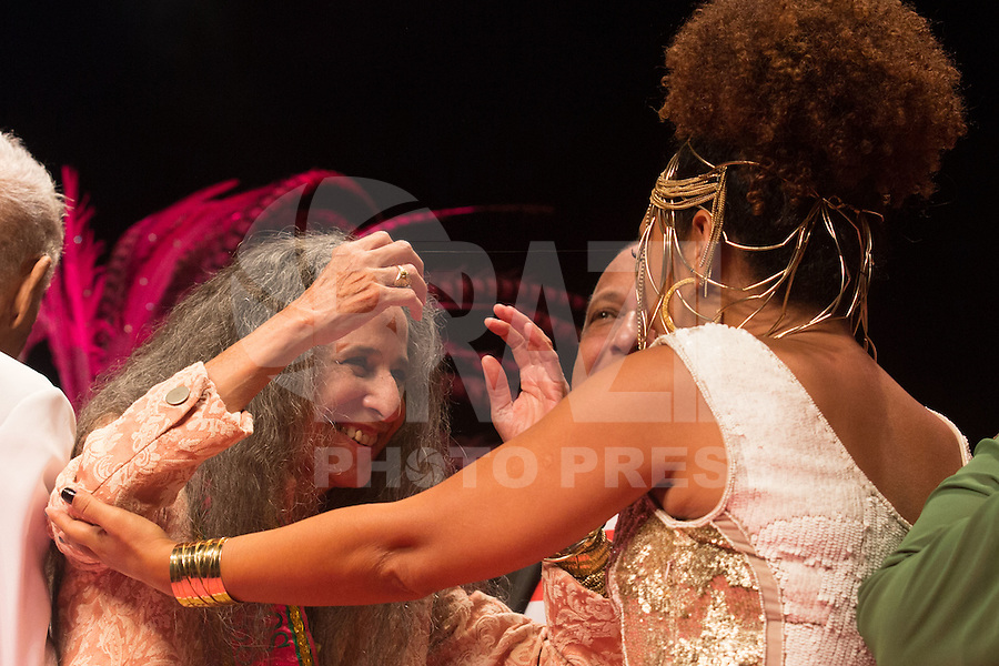 SÃO PAULO - SP. 15.02.2017 - SHOW-SP.  Maria Bethânia e Mariene de Castro durante Show de Verão da Mangueira, nesta quarta-feira, 15, no Tom Brasil, zona sul de São Paulo. (Foto: Ciça Neder / Brazil Photo Press)