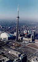 CN Tower<br /> <br /> Photo : Boris Spremo - Toronto Star archives - AQP