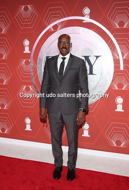Courtney B. Vance attends the 74th Tony Awards-Broadway's Back! arrivals at the Winter Garden Theatre in New York, NY, on September 26, 2021.