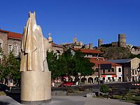 Denkmal Königin Tamar und Festung Rabati in Achalziche, Samzche-Dschawacheti, Georgien, Europa<br /> Fortress Rabait and monument Queen Tamar in Achalziche, Samzche-Dschawacheti,  Georgia, Europe