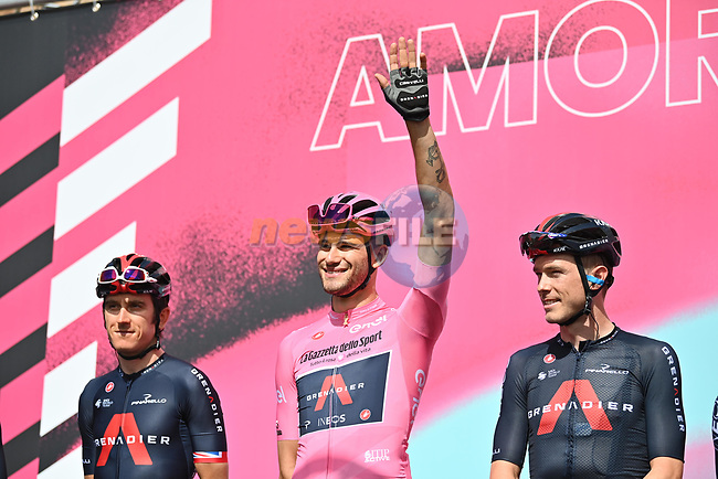 Race leader Maglia Rosa Filippo Ganna (ITA) Ineos Grenadiers at sign on before the start of Stage 2 of the 103rd edition of the Giro d'Italia 2020 running 149km from Alcamo to Agrigento, Sicily, Italy. 4th October 2020.  <br /> Picture: LaPresse/Massimo Paolone | Cyclefile<br /> <br /> All photos usage must carry mandatory copyright credit (© Cyclefile | LaPresse/Massimo Paolone)