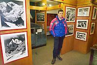 - Courmayeur, tourist resort, mountain museum....- Courmayeur, località turistica, museo della montagna