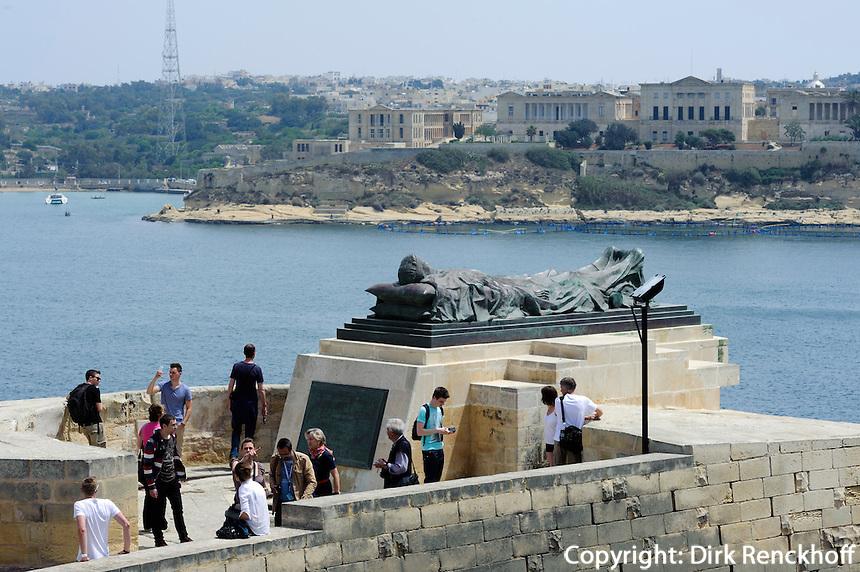 Siege Bell Memorial in Valletta, Malta, Europa