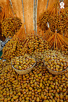 Fresh date fruits on market stall (Licence this image exclusively with Getty: http://www.gettyimages.com/detail/sb10065145bc-001 )