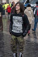 """Am Samstag den 31. Januar 2015 versammelten sich auf dem Staromestske Namesti-Platz (Alststaetter Markt / Old Town Square) in Prag ca. 500 Anhaenger der Pegida-Bewegung. Wie in Deutschland sind die Pegida (Patriotische Europaere gegen die Islamisierung des Abendlandes) Neonazis, Hooligans, Islamsfeinde und sog. """"Besorgte Buerger"""".<br /> Gegen die Pegida-Kundgebung protestierten Vertreter verschiedener Religionen, Antifaschisten, Sinti und Roma mit einem Gottesdienst, Gesaengen und Plakaten und Schildern, auf denen sich zum Teil ueber die Islamophobie der Pegida-Anhaenger lustig gemacht wurde. Beide Veranstaltungen fanden gleichzeitig nebeneinander auf dem Platz statt. Aus der Pegida-Kundgebung kamen immer wieder heftige Beschimpfungen und Neonazis versuchten Gegendemonstranten ein Transparent zu entreissen.<br /> Im Bild:<br /> 31.1.2015, Prag<br /> Copyright: Christian-Ditsch.de<br /> [Inhaltsveraendernde Manipulation des Fotos nur nach ausdruecklicher Genehmigung des Fotografen. Vereinbarungen ueber Abtretung von Persoenlichkeitsrechten/Model Release der abgebildeten Person/Personen liegen nicht vor. NO MODEL RELEASE! Nur fuer Redaktionelle Zwecke. Don't publish without copyright Christian-Ditsch.de, Veroeffentlichung nur mit Fotografennennung, sowie gegen Honorar, MwSt. und Beleg. Konto: I N G - D i B a, IBAN DE58500105175400192269, BIC INGDDEFFXXX, Kontakt: post@christian-ditsch.de<br /> Bei der Bearbeitung der Dateiinformationen darf die Urheberkennzeichnung in den EXIF- und  IPTC-Daten nicht entfernt werden, diese sind in digitalen Medien nach §95c UrhG rechtlich geschuetzt. Der Urhebervermerk wird gemaess §13 UrhG verlangt.]"""