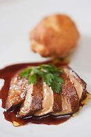 Europe/France/Auverne/63/Puy-de-Dôme/Orcines: Foie gras chaud sauce au banyuls recette de Géraldine Laubrières à l' Auberge de la Baraque,