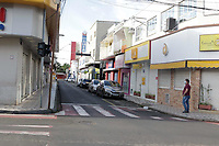 Mogi Guaçu (SP), 02/03/2021 - Lockdown - A Prefeitura de Mogi Guaçu, no interior de São Paulo editou novo decreto com adequações pontuais às normas do período de 7 dias de Lockdown que teve início nesta terça-feira (2). Entre elas estão o aval para atendimento presencial por supermercados, desde que cumpridas uma série de exigências, além do funcionamento limitado do delivery por restaurantes e lanchonetes.