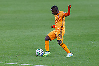 ST PAUL, MN - OCTOBER 18: Darwin Quintero #23 of Houston Dynamo controls the ball during a game between Houston Dynamo and Minnesota United FC at Allianz Field on October 18, 2020 in St Paul, Minnesota.