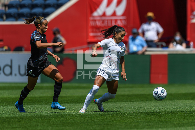 BRIDGEVIEW, IL - JUNE 5: Debinha #10 of the North Carolina Courage plays the ball during a game between North Carolina Courage and Chicago Red Stars at SeatGeek Stadium on June 5, 2021 in Bridgeview, Illinois.