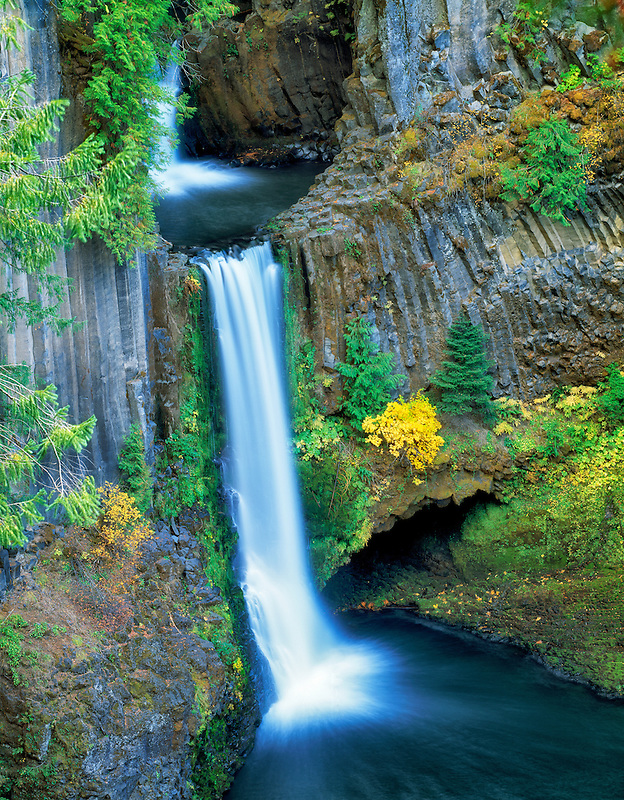 Tokatee Falls with fall color, Oregon