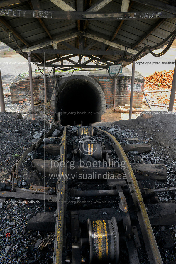 ZAMBIA, Sinazese, chinese owned Collum Coal Mine, underground mining of hard coal for copper melter and cement factory, entrance to pit, rail track for coal wagon / SAMBIA, Collum Coal Mine eines chinesischem Unternehmens, Untertageabbau von Steinkohle, Schiene fuer Loren