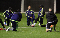 Wayne Routledge of Swansea (C) training