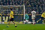 14.02.2020, Signal Iduna Park, Dortmund, GER, 1. BL, Borussia Dortmund vs Eintracht Frankfurt, DFL regulations prohibit any use of photographs as image sequences and/or quasi-video<br /> <br /> im Bild / picture shows / Erling Haland (#17, Borussia Dortmund) erzielt das Tor zum 3:0<br /> <br /> Foto © nordphoto/Mauelshagen