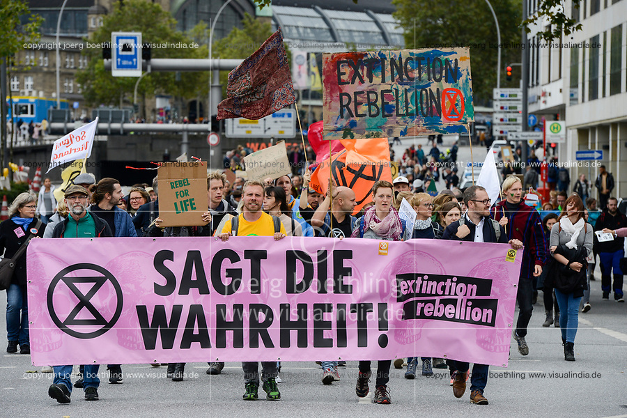 GERMANY, Hamburg city, Fridays for future, All for Climate rally with 70.000 protesters for climate protection , block of extinction rebellion movement, banner says Say the truth! / DEUTSCHLAND, Hamburg, Jungfernstieg und Binnenalster, Fridays-for future Bewegung, Alle fürs Klima Demo fuer Klimaschutz, Block der extinction rebellion Bewegung mit dem Symbol der ablaufenden Sanduhr, 20.9.2019
