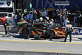 IMSA WeatherTech SportsCar Championship<br /> AMERICA'S TIRE 250<br /> Mazda Raceway Laguna Seca<br /> Monterey, CA USA<br /> Saturday 24 September 2017<br /> 86, Acura, Acura NSX, GTD, Oswaldo Negri Jr., Jeff Segal pit stop<br /> World Copyright: Richard Dole<br /> LAT Images<br /> ref: Digital Image RD_LS_17_358