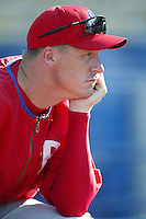 Mike Timlin of the Philadelphia Phillies before a 2002 MLB season game against the Los Angeles Dodgers at Dodger Stadium, in Los Angeles, California. (Larry Goren/Four Seam Images)