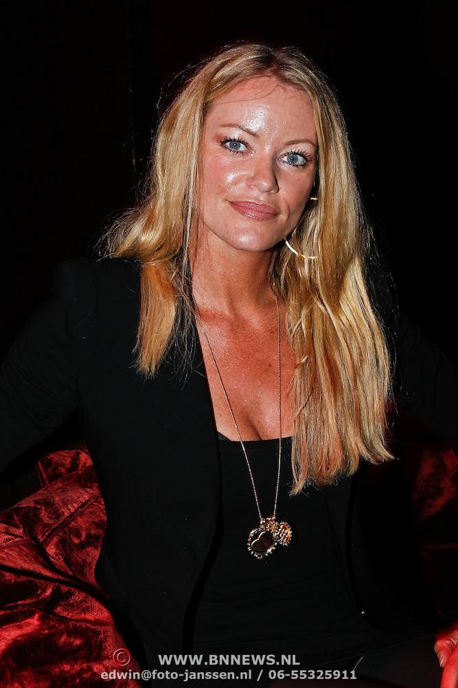 Britt Dekker huilt om uitgelekte fotos Playboy   Foto   AD.nl