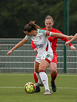 Estee Cattoor of OHL (in white) and Stefanie Deville of Woluwe in action during a female soccer game between Oud Heverlee Leuven and Femina White Star Woluwe  on the 5 th matchday of the 2020 - 2021 season of Belgian Womens Super League , Sunday 18 th of October 2020  in Heverlee , Belgium . PHOTO SPORTPIX.BE | SPP | SEVIL OKTEM
