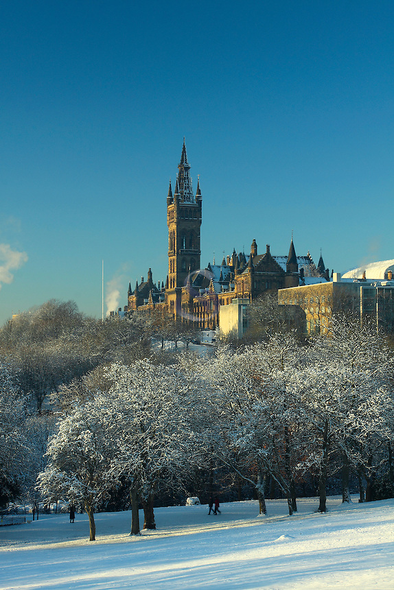 Glasgow University and Kelvingrove Park in winter, Glasgow<br /> <br /> Copyright www.scottishhorizons.co.uk/Keith Fergus 2011 All Rights Reserved