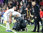 Real Madrid's Karim Benzema (l) and his coach Zinedine Zidane during Champions League 2016/2017 Round of 16 1st leg match. February 15,2017. (ALTERPHOTOS/Acero)